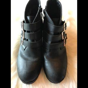 Top Moda Black Buckle Bootie Size 7